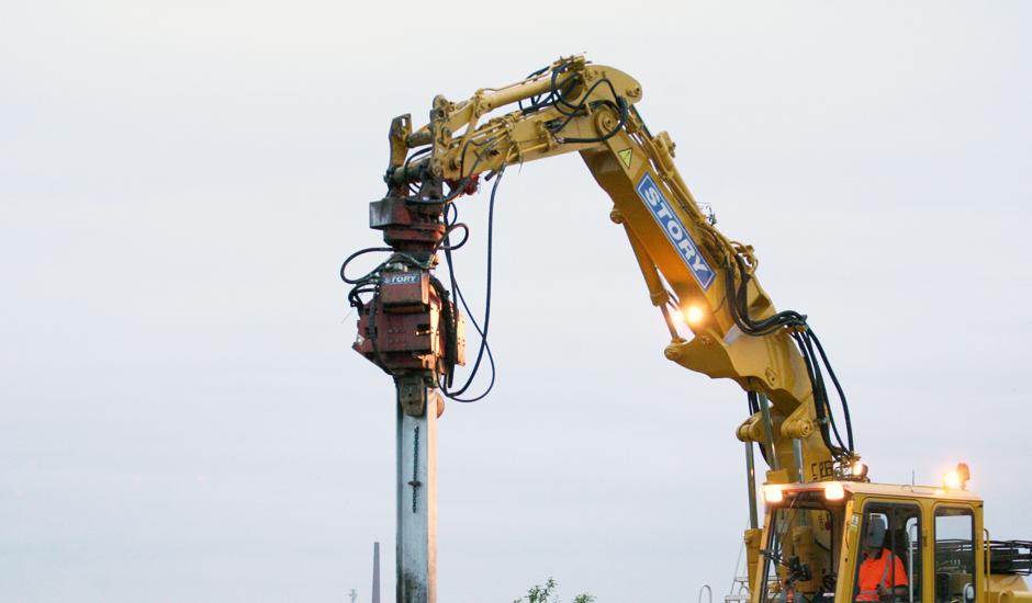 Pile Hammer Hire | Attachments Plant Hire | Plant Hire