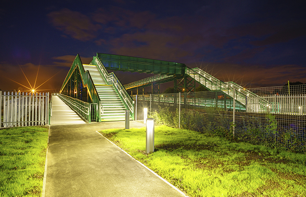 New Stirling footbridge replaces high risk level crossing